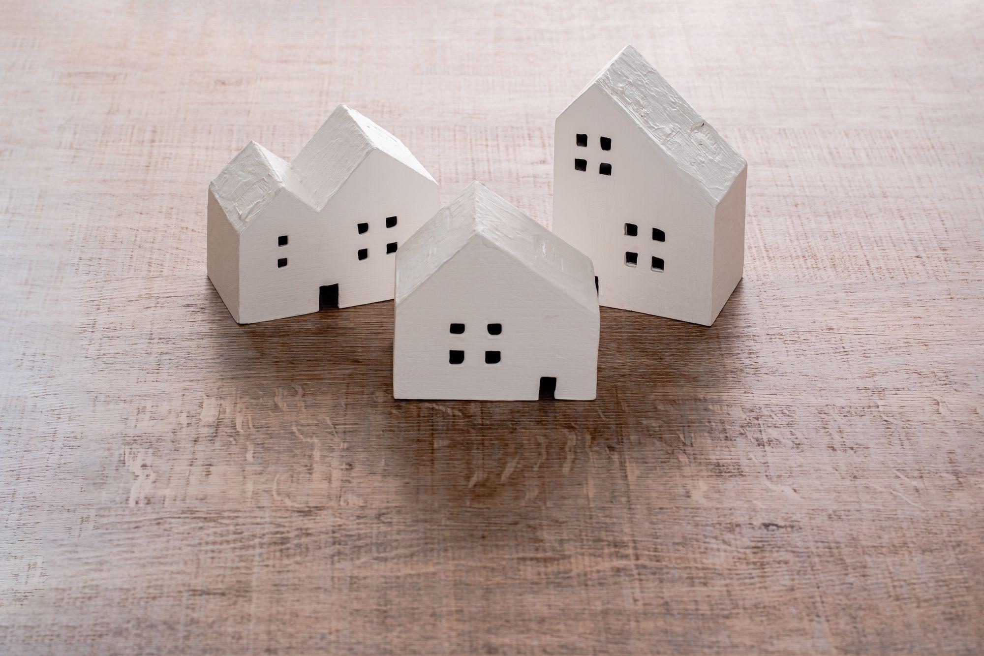 """<span class=""""title"""">注文住宅で3階建ての家を建てよう。おすすめの間取りと注意点</span>"""
